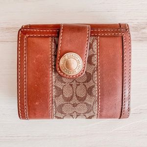 Coach Logo Wallet - Light Brown